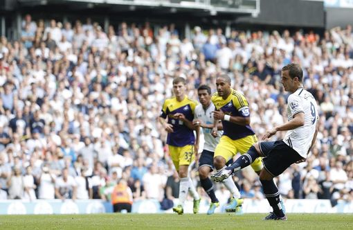 Another goal for Soldado!